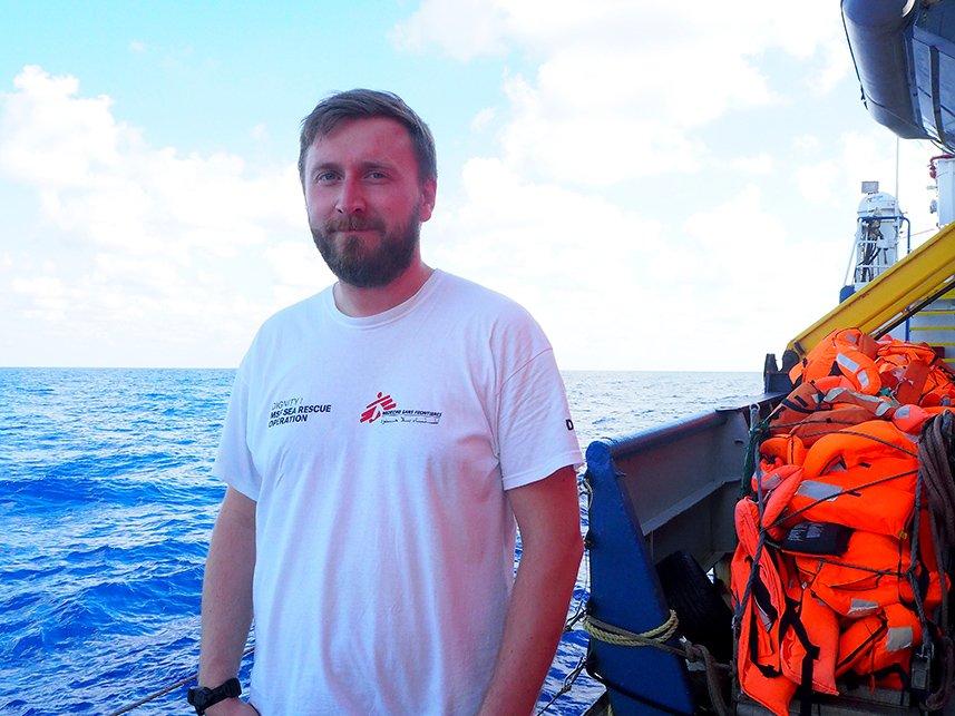 Alexander Uggla ombord på räddningsfartyget Dignity I.
